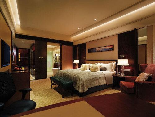 antique_hotel_bedroom_furniture_sets_walnut_finished_inn_black_wood_frame_king_size_with_bed_bench_1