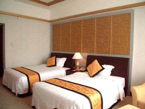 economic_oak_finished_hotel_bedroom_furniture_sets_king_size_double_size_bed_1