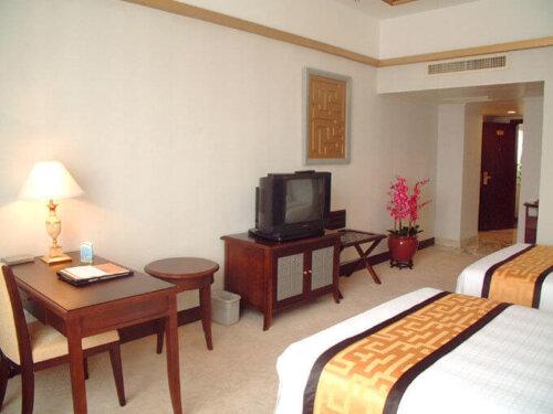 economic_oak_finished_hotel_bedroom_furniture_sets_king_size_double_size_bed_3