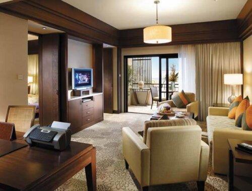 high_grade_hotel_bedroom_furniture_sets_with_modern_platform_bed_writing_desk_5