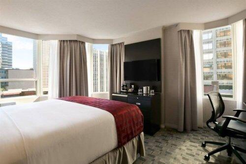 luxury_dark_walnut_veneer_hotel_bedroom_furniture_sets_with_writing_desk_3