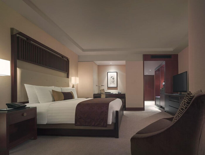 luxury_zebrano_veneer_finished_high_end_bedroom_furniture_set_full_size_bedroom_sets_1