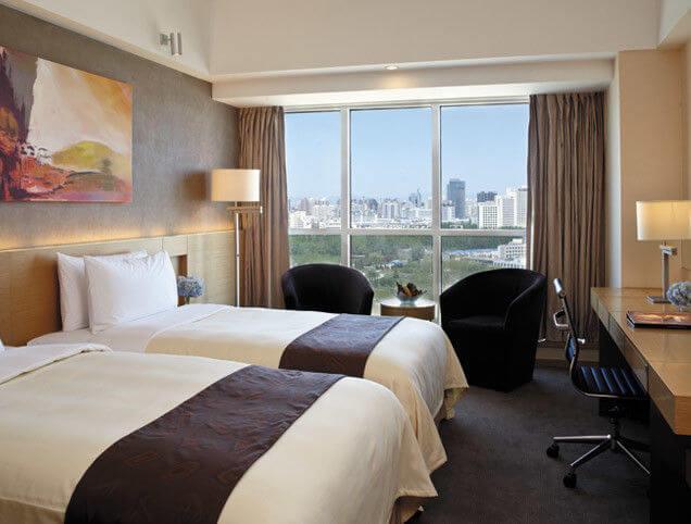 modern_beech_wood_veneer_hotel_bedroom_furniture_sets_with_sofa_set_1