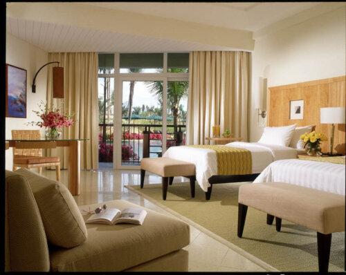 modern_ash_wood_veneer_hotel_furniture_set_with_wood_bed_bench_1